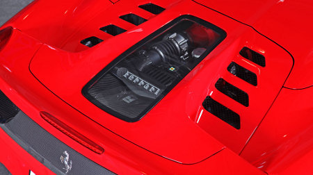 Ferrari 458 Spider mit Carbon/Glasmotorhaube by Capristo
