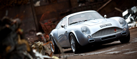 Aston Martin DB4 Zagato Replika