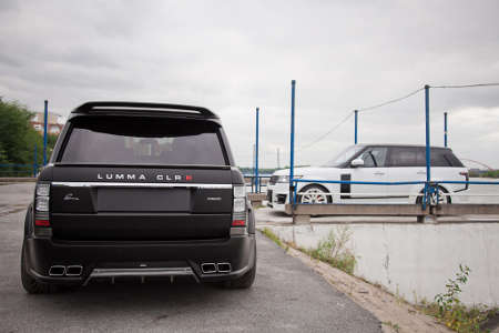 Range Rover LWB mit Lumma Widebodykit CLR R