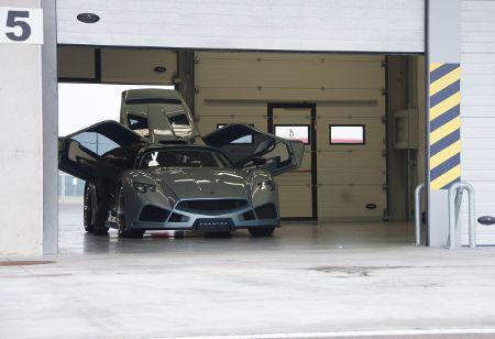 Mazzanti Evantra V8 No 00 on Track