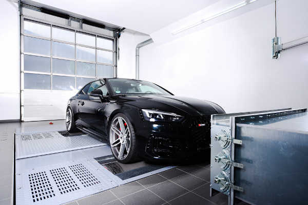 Audi RS5 Biturbo mit Chiptuning von Speed-Buster