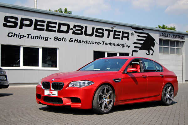 BMW M5 F10 by Speed-Buster